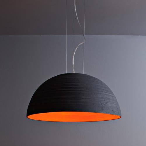 gro e design pendelleuchte mit halbkugelf rmigem keramikschirm. Black Bedroom Furniture Sets. Home Design Ideas