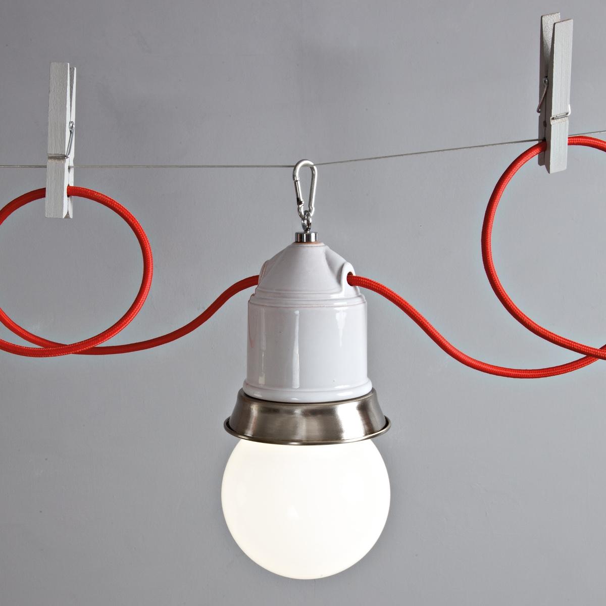 mehrflammiges seilsystem mit fassungsleuchten in keramik im industriellen design. Black Bedroom Furniture Sets. Home Design Ideas