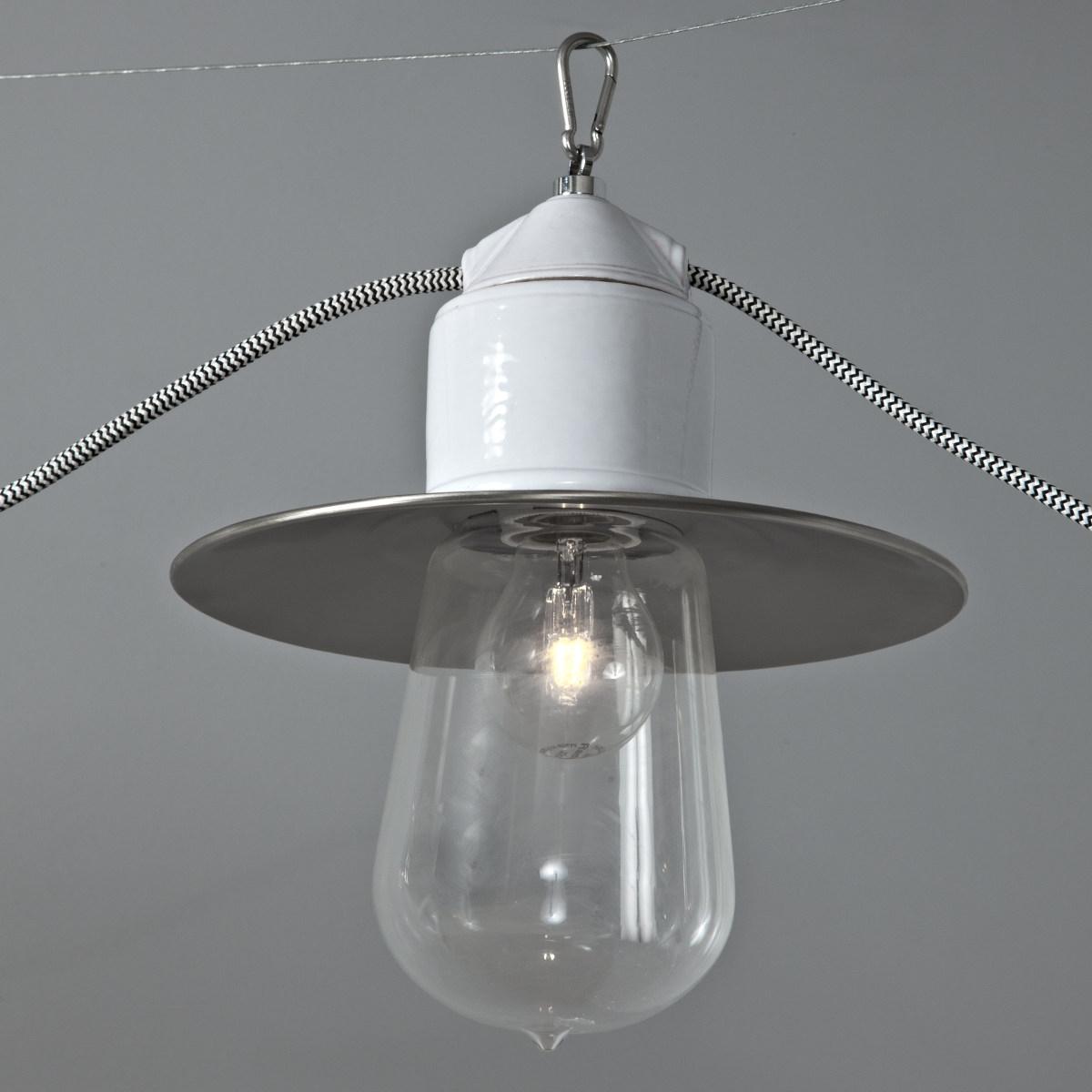 mehrflammiges seilsystem mit einzelpendel im industriellen. Black Bedroom Furniture Sets. Home Design Ideas