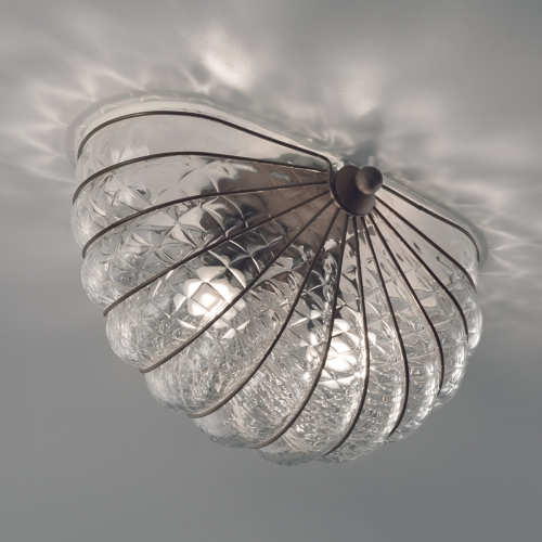 Gewölbte Deckenlampe in amberfarbenem Milchglas