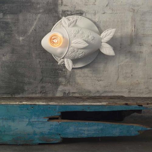 Extravagante Fisch-Lampe mit leuchtendem Auge