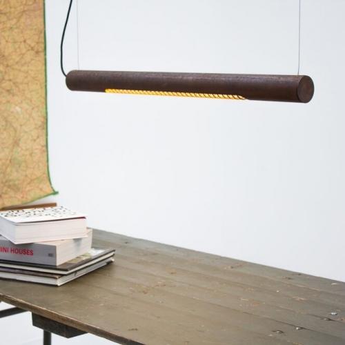 Horizontale Rohr-Hängelampe in Eisen rost, kleines Modell