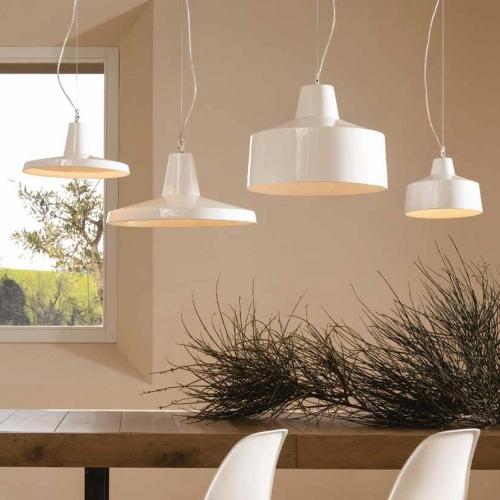 Imposante weiße Industrie-Lampe in vier Formen