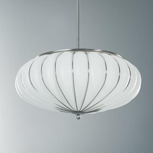 Großes Modell der Leuchte mit milchweißem Glas